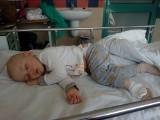 2-letni Włodek od 1,5 roku walczy z białaczką. Organizm słabnie z każdym dniem