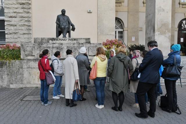 Z okazji 95-lecia Uniwersytetu Ekonomicznego w Poznaniu można zobaczyć skarbiec z początku XX wieku. Uczelnia zapewnia to podczas wycieczek po zabytkowych murach z przewodnikiem miejskim. Co więcej, 12 października zainauguruje rok akademicki - dokładnie tego samego dnia, kiedy zrobiono to po raz pierwszy przed dziewięćdziesięcioma pięcioma laty