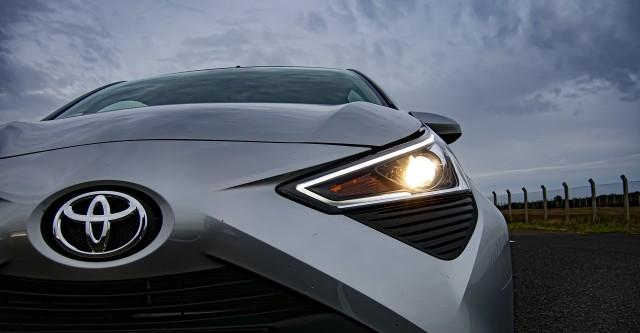 Jak podaje ADAC, w podstawowej klasie A samochodów osobowych najlepiej w 2020 roku radziła sobie na niemieckich drogach Toyota Aygo