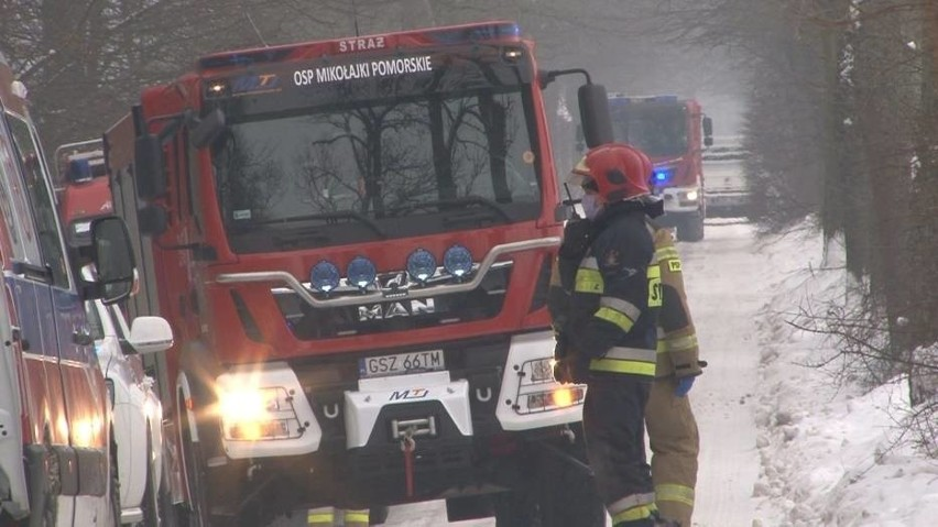 Konar przygniótł drwala 20.01.2021 r. Mężczyznę do szpitala zabrał śmigłowiec ratowniczy
