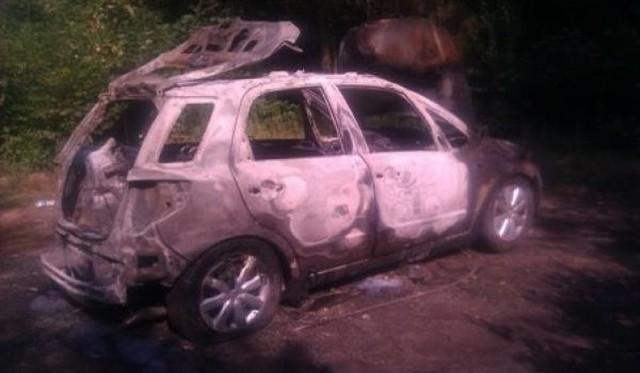 Mateusz K. usiłował popełnić samobójstwo. Najpierw podpalił siebie i swój samochód, a później próbował rzucić się pod przejeżdżające ulicą auta.