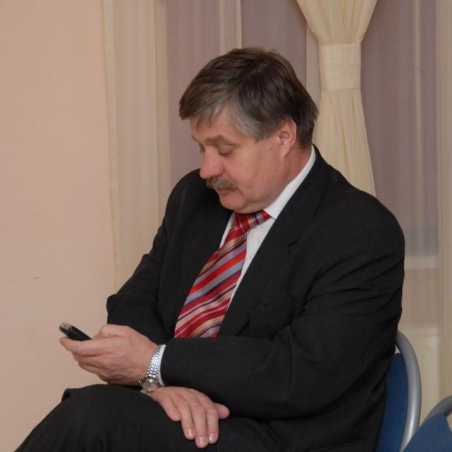 Krzysztof Jurgiel (PiS): - Informacja, że zwracałem się z  prośbą do Lasów Państwowych o sprzedaż drewna spółce jest nieprawdziwa.