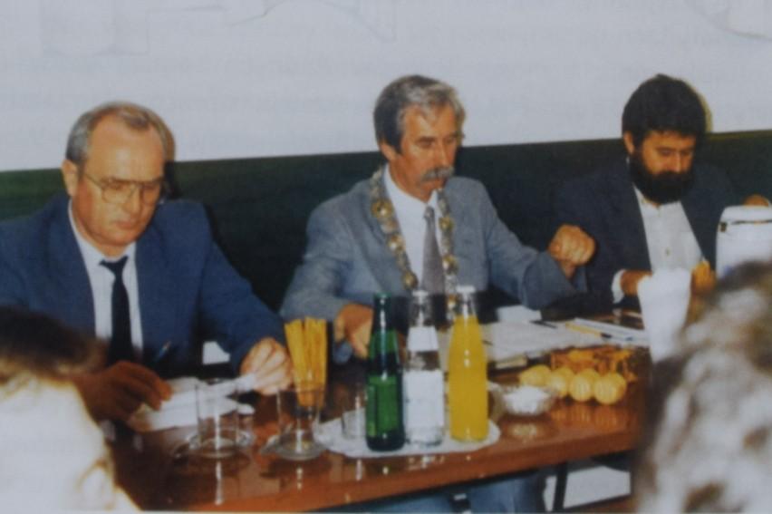 Lech Domina (z lewej) był radnym i członkiem zarządu gminy