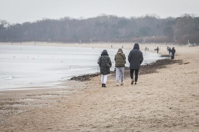 Gdy mowa o wyjeździe wypoczynkowym w Polsce, wielu osobom od razu przywodzi to na myśl podróż nad Morze Bałtyckie. Nic zatem dziwnego, że znalazło się w trójce najlepszych destynacji na długi weekend.