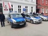 Syreny radiowozów zawyły w Wąbrzeźnie. Policjanci uczcili kolegę z Raciborza. Zobaczcie wideo
