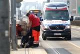 Groźna sytuacja na przystanku MPK. Upadł mężczyzna, który wracał ze szczepienia