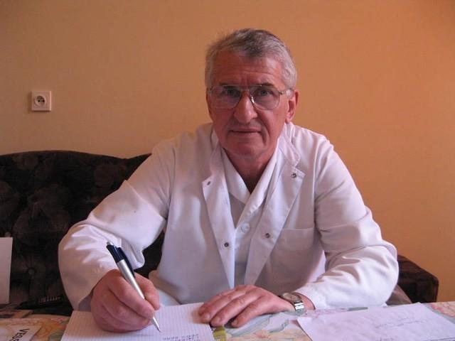- Nie idę na emeryturę, tylko do pracy w lepiej zarządzanym szpitalu - mówi Krzysztof Wojtalewicz.