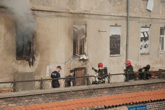 Pożar wybuchł w piątek przed południem