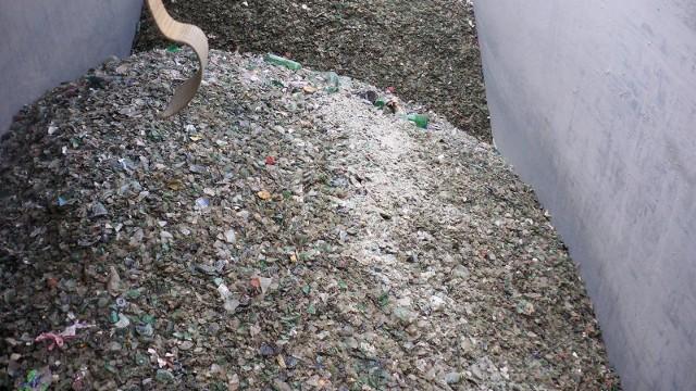 Zamiast stłuczki szklanej próbowano wwieźć odpady komunalne