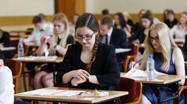MATURA 2018. Dziś uczniowie przystąpią do matury z fizyki oraz geografii