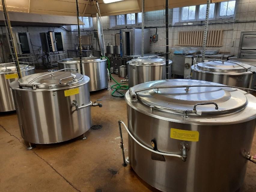 Choroszcz. Wydają nawet 2,5 tys. posiłków dziennie! Jak wygląda kuchnia w szpitalu w Choroszczy?