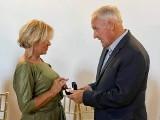 Jak wygląda pierścionek zaręczynowy Iwony z Sanatorium Miłości? Gerard oświadczył się Iwonie z Sanatorium Miłości 18.10.2021