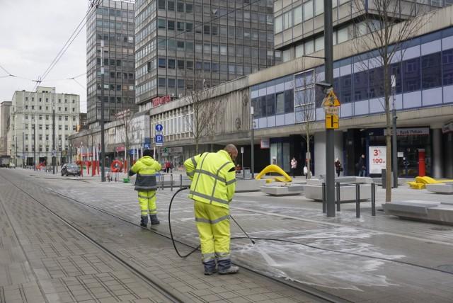 W czwartek oficjalnie zakończyła się przebudowa ul. Święty Marcin, między ulicami Gwarną a Ratajczaka. W przyszłym roku ma rozpocząć się kolejny etap przebudowy centrum Poznania.