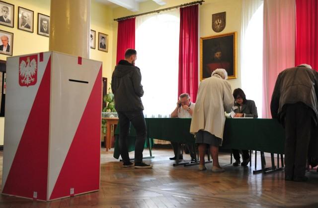Wybory samorządowe 2018: Nie ma cię w rejestrze wyborców? Możesz wpisać się do niego przez Internet! Dowiedz się, jak to zrobić