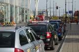 Taksówkarze liczą na klientów w Sylwestra. Będą normalnie pracować