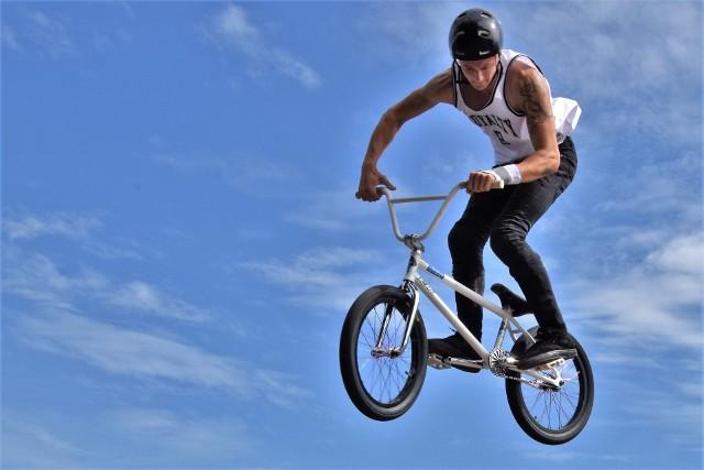W Inowrocławiu rywalizowali zawodnicy na rowerach BMX w ramach imprezy sportowej Inowrocław BMX Jam Vol. 5