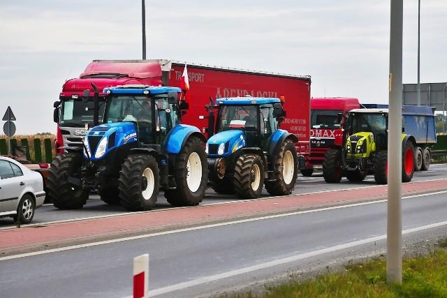 Protest rolników na drodze krajowej nr 8 pod Wrocławiem