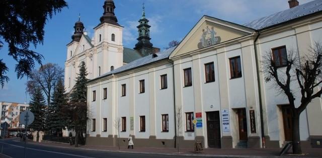 Kolegiata w Brzozowie jest jednym z najcenniejszych zabytków Pogórza Dynowskiego.