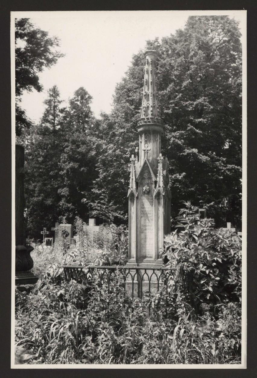 Cmentarz rzymskokatolicki przy ulicy Lipowej w Lublinie....