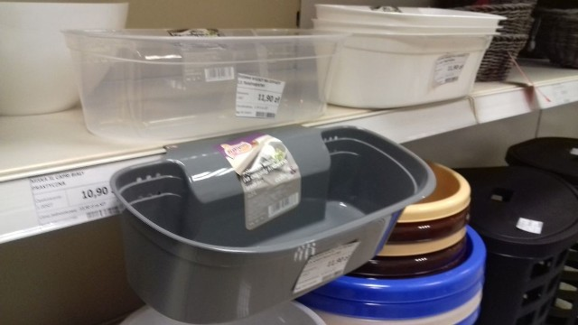 Pojemnik na bio odpady przypomina doniczkę na balkon lub na zioła