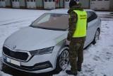Funkcjonariusze Podlaskiego Oddziału Straży Granicznej odzyskali skradzioną skodę o wartości 95 tys zł. Zatrzymano dwóch Francuzów