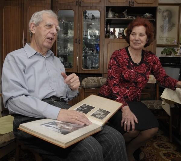 - Przed wojną Lwów mówił wieloma językami, potem niestety to się zmieniło - mówią Czerkasowie, oglądając fotografie.
