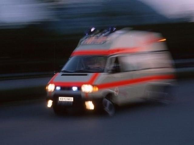 """Mężczyźni, którzy nagrali i umieścili na Youtube filmik z brawurową jazdą ambulansem ulicami Bydgoszczy, od prawie roku nie pracują w firmie NZOZ """"Delfin"""""""