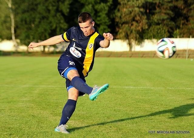 Karol Wanat popisał się pięknym strzałem i zdobył cudownego gola.