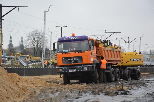 Według harmonogramu prace modernizacyjne kolei w Łowiczu mają zakończyć się do jesieni 2020 roku