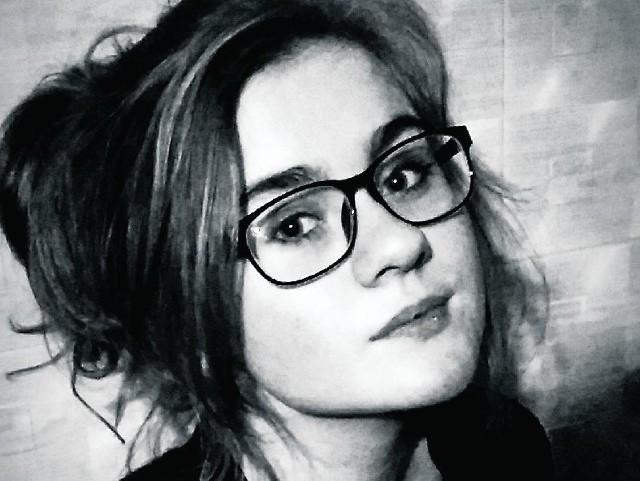 Weronika Zielińska ma artystyczną duszę. Chciałaby pojechać na misję do kraju potrzebującego, zostać dziennikarką, tworzyć reportaże.
