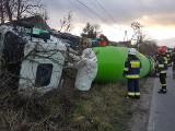 Na drodze w Podwiesku wywróciła się betoniarka [zdjęcia]