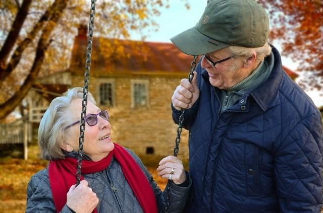 Ostateczną wielkość wskaźnika waloryzacji 2020 poznamy w lutym 2020 r., gdy GUS poda aktualne wskaźniki makroekonomiczne za 2019 rok. Wtedy okaże się o jakie podwyżki dostaną emeryci i renciści.