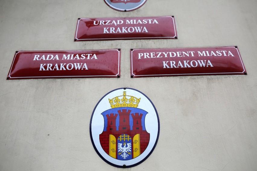 Kraków. Urząd Miasta blokuje mieszkańców w mediach społecznościowych? Brak odpowiedzi urzędników
