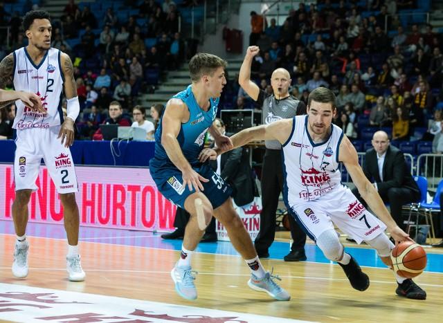 Jakov Mustapić (z piłką) ostatnio gra dużo lepiej niż na początku sezonu.