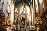 Kraków. Ołtarz główny u dominikanów nie do poznania! Odzyskał swoje kolory z XIX wieku