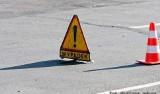 Wypadek na trasie Świdnica-Wałbrzych. Trzy osoby ranne, droga zablokowana