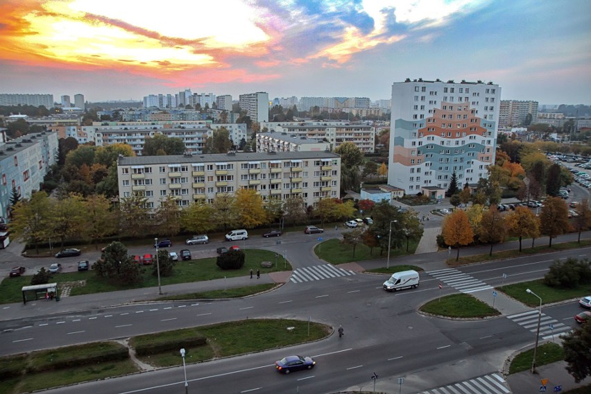 Kilkanaście milionów Polaków mieszka w zasobach spółdzielni mieszkaniowych, tylko nieliczni decydują się na wyodrębnienie i utworzenie wspólnoty mieszkaniowej.