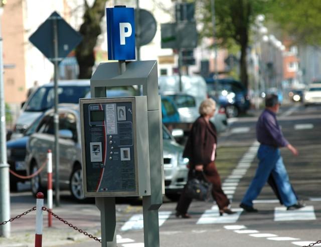 Parkomaty w centrum już są. Od soboty zastapia parkingowych.