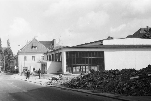 W tle ulica Sikorskiego, na pierwszym planie budowa al. Konstytucji 3 Maja.