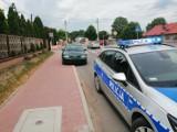 Kolizja na ul. Limanowskiego w Opocznie. 12-latek wjechał rowerem pod samochód. Nie miał karty rowerowej!