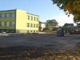 Trwa budowa boisk sportowych w Zwoleniu i Sydole. Prace idą zgodnie z harmonogramem