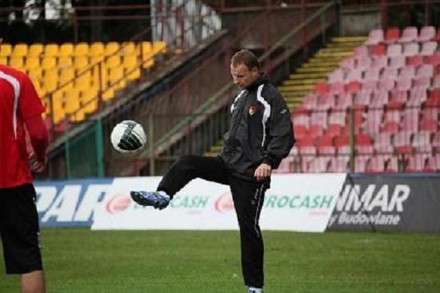 Tomasz Frankowski na poniedziałkowym treningu ćwiczył indywidualnie