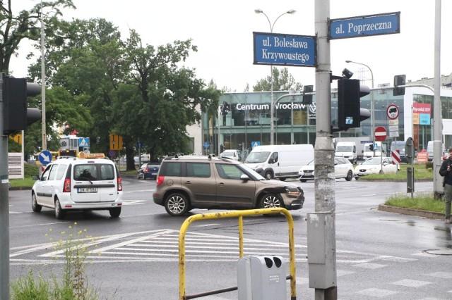Na ulicy B. Krzywoustego we Wrocławiu powstał 1,2 kilometrowy buspas.