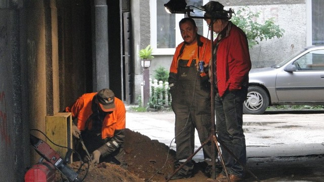 Robotnicy przecięli rurę gazową w kamienicy przy Placu Konstytucji 3 Maja w Radomiu.