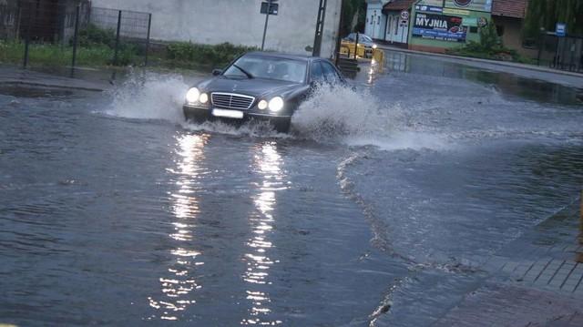 Deszczówka zalała centrum wsi