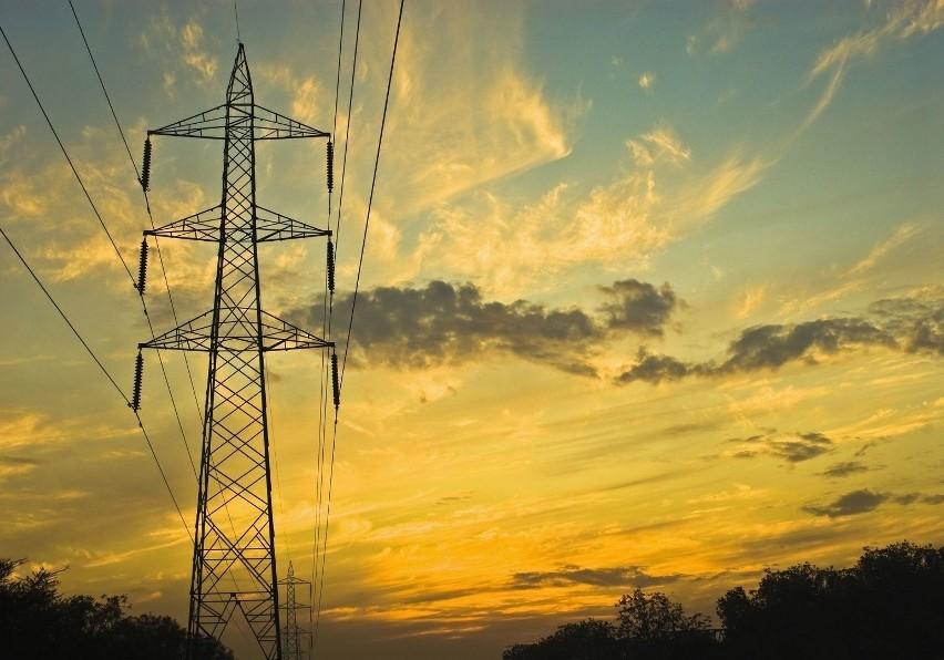 W najbliższych dniach mieszkańcy kilku miejscowości w naszym regionie muszą być przygotowani na przerwy w dostawie energii elektrycznej.Gdzie zabraknie prądu? Sprawdźcie listę planowanych wyłączeń na najbliższe dni.Dane pochodzą ze strony internetowej Energa Operator.
