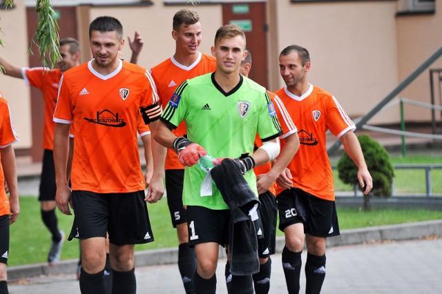 Zawodnicy Ruchu Zdzieszowice w poprzednim sezonie triumfowali w Wojewódzkim Pucharze Polski. W obecnej edycji pierwszy mecz rozegrają w Chrząstowicach.