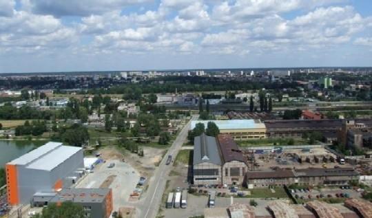 """Łącznie w ubiegłym roku w 14 podstrefach SSE """"Starachowice"""" przybyło 1137 nowych etatów."""