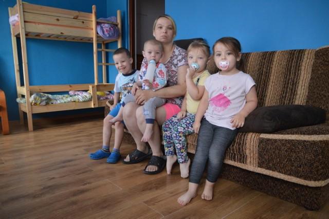 Ośmioosobowa rodzina z Miastka od pięciu lat czeka na mieszkanie