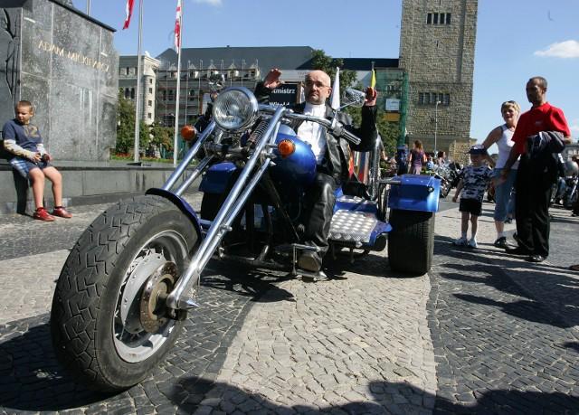Ks. Jaworski, proboszcz z Gułtowych, sam jeździ motocyklem. Nie widzi nic złego w przejeździe rosyjskich motocyklistów